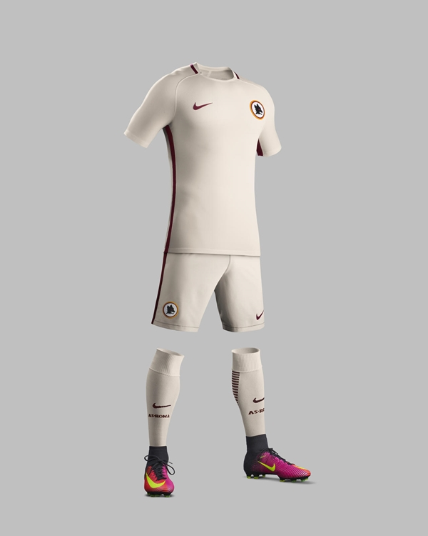 Su16_CK_Comms_A_Full_Body_Match_AS_Roma_R_native_1600