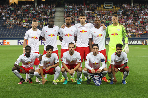 SALZBURG,AUSTRIA,15.SEP.16 - SOCCER - UEFA Europa League, group stage, Red Bull Salzburg vs FK Krasnodar. Image shows back row: Valon Berisha, Dayot Upamecano, Paulo Miranda, Duje Caleta-Car, Andre Wisdom, Alexander Walke; front row: Diadie Samassekou, Takumi Minamino, Andreas Ulmer, Jonatan Soriano and Valentino Lazaro (RBS). Photo: GEPA pictures/ Felix Roittner - For editorial use only. Image is free of charge.